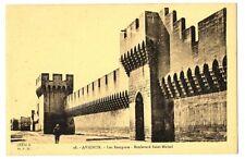 CPA 84 Vaucluse Avignon les Remparts animé