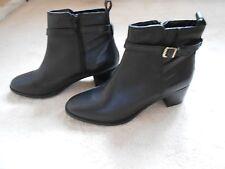 Black Real Leather Modern 2.5