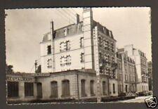 ST-HONORE-les-BAINS . PEUGEOT 203 à L'HOTEL DU MORVAN